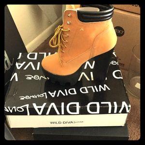 Platform Boot/Heels